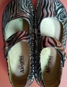 Alegria Animal Zebra Print Mary Janes Clogs Sz 38